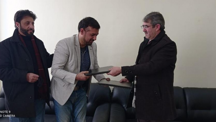 University of Kashmir inks pact with Stribes  for enhancing industry engagement of students