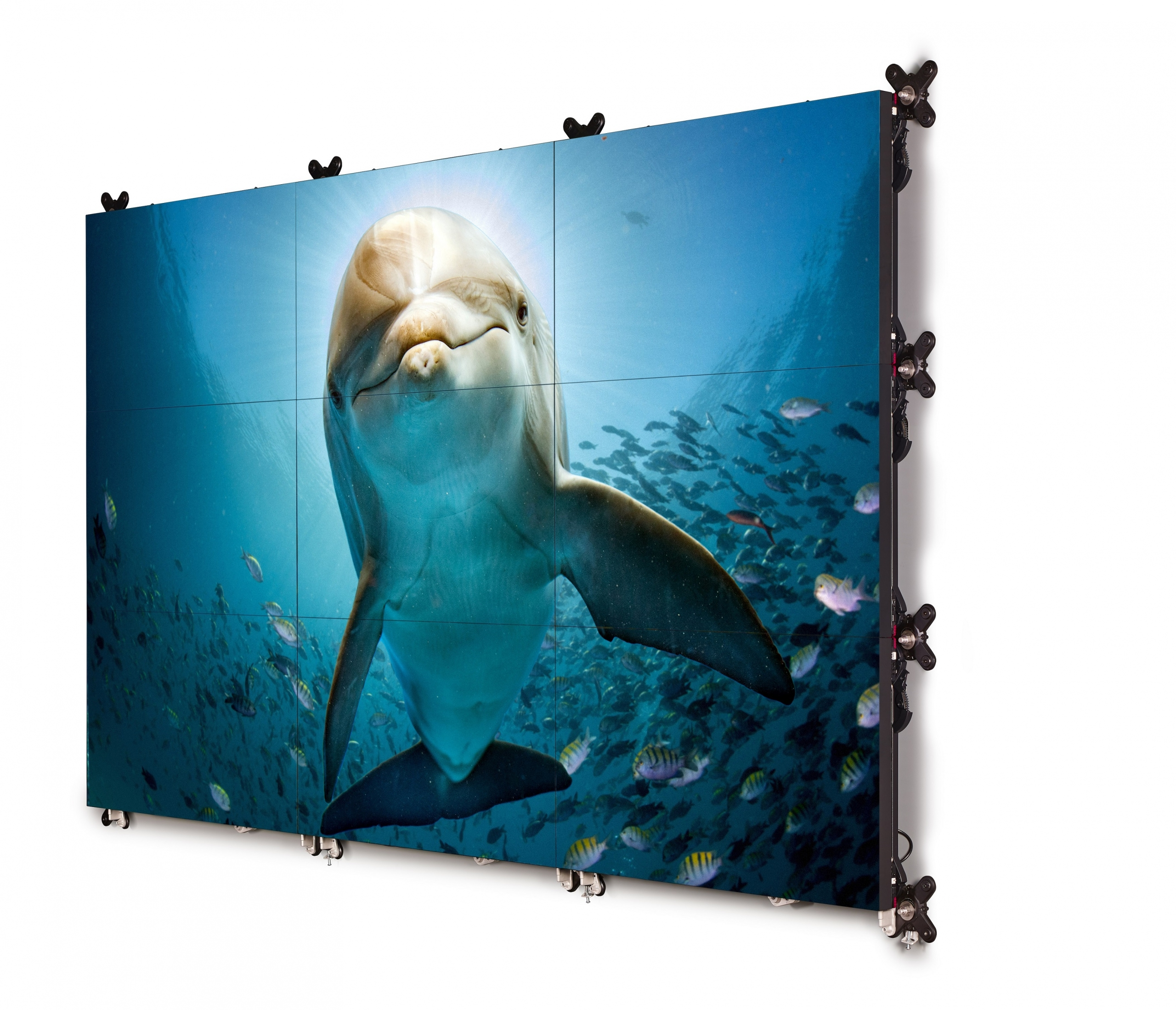The new generation high-brightness Barco UniSee completes Barco's LCD video wall portfolio renewal